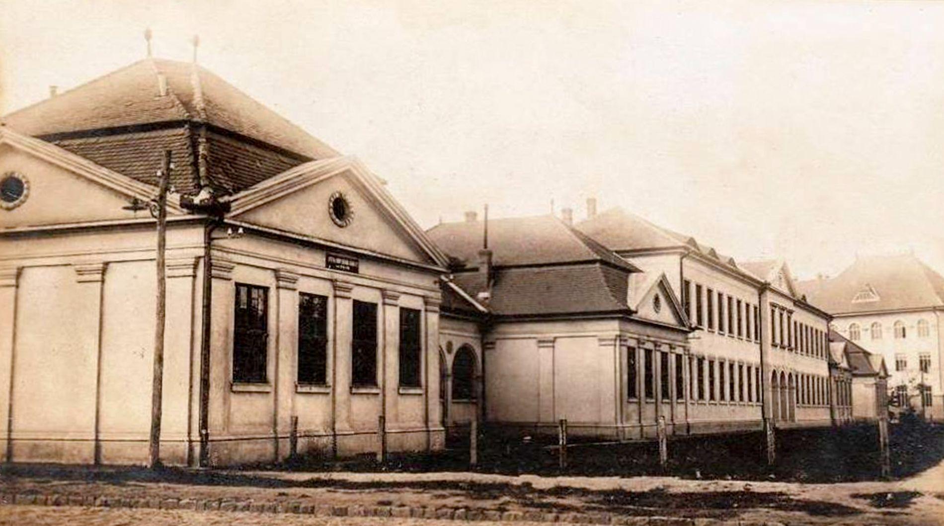 Clădiri de învățământ