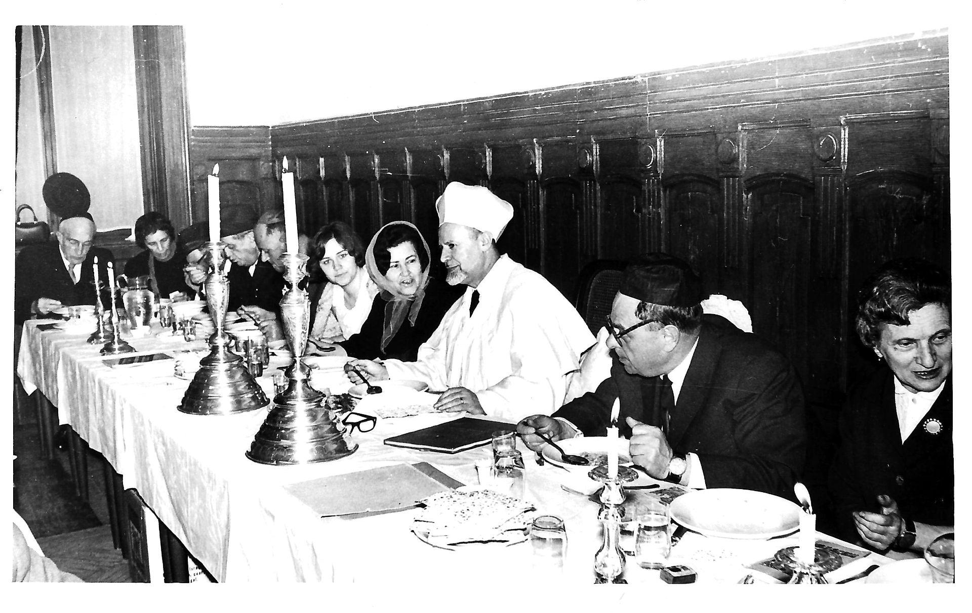 Galerie. Seara de seder la Comunitatea Evreilor din Timişoara, anii 1970