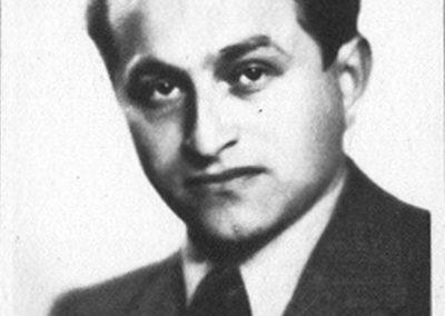 Eisikovits Max